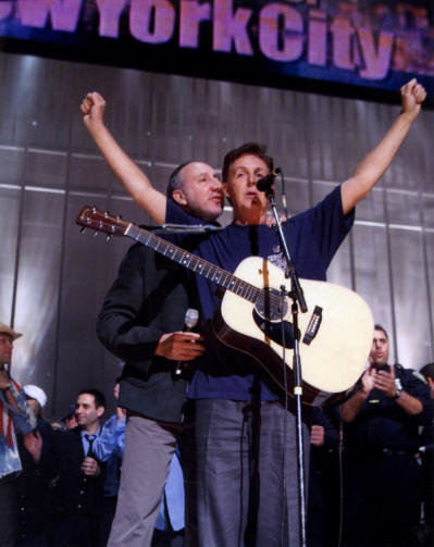 Pete Townshend & Paul McCartney - Concert For New York City - 2001
